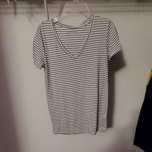 Everyday tshirt vneck